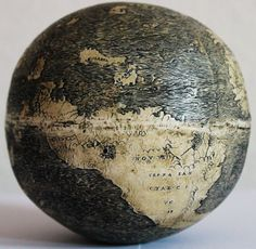 This globe, from the early may be the oldest surviving globe that depicts the Americas. Along with the Lenox globe, it's the only historical map known to include the sentence HIC SVNT DRACONES (here are dragons). Ancient Aliens, Ancient History, Local History, Old Maps, Antique Maps, Dragons, Objets Antiques, Washington Map, Old Globe