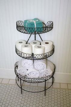 Plant storage in the bathroom for towels: 31 Amazingly DIY Small Bathroom Storage Hacks Help You Store More