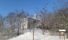 A Velencei-tó télen Dinnyés Katolikus templom Fotó: Tihanyi Tamás