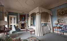 Ballyfin, in County Laois, Ireland, is a country house hotel offering gorgeous rooms, a Downton-esque knot of staff and an excellent choice of activities.