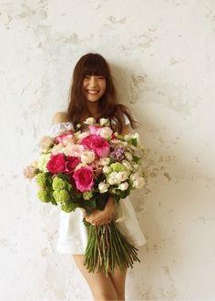 ご報告の画像 | 佐藤ありさオフィシャルブログ「ARISA'S BLOG」Powered… Japanese Beauty, Floral Wreath, Wreaths, Flowers, Wedding, Decor, Actresses, Actors, Models