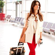Flash mode Voyages : que porter lors d'un vol long courrier ? | POPSUGAR Fashion France