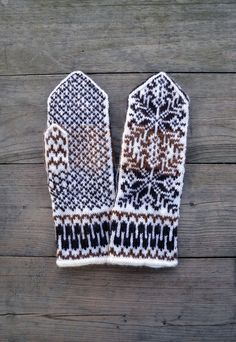 Nordic Wool Mittens  Brown and White Mittens  by lyralyra on Etsy, $36.00