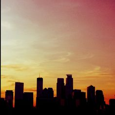 Those Mpls skyline curves. Beyond The Sea, Mini Apple, Sight & Sound, Amazing Architecture, Minneapolis, Seattle Skyline, Sunsets, Minnesota, Places Ive Been