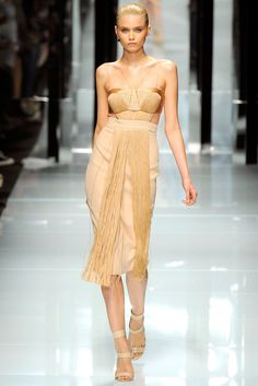 Versace Spring 2011 Ready-to-Wear Fashion Show - Abbey Lee Kershaw