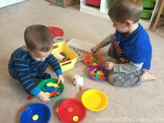 Intentional Toddler Time - 17 months. Sensory Bin, Shaving Cream, Pipe Cleaners, and More!