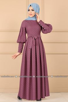 Mode Selvim Polka Dot Plissee Kleid Rose getrocknet Designers Designer Clothing Source by lorahrochmodetrends dresses hijab Abaya Fashion, Women's Fashion Dresses, Muslim Women Fashion, Sleeves Designs For Dresses, Muslim Dress, Hijab Dress, Mode Hijab, Modest Dresses, Clothes For Women