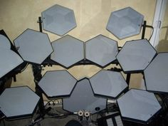 Ahh...my dream electronic drum kit from 1988! The Simmons SDX!!!