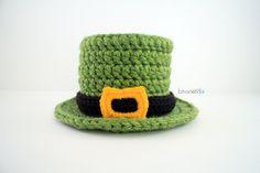 Lucky Crochet Top Hat. Free pattern from B.hooked Crochet.