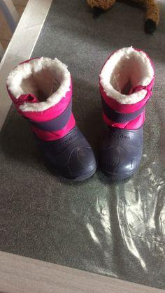 Chaussure après ski fille de marque quechua. Taille 26 à 4.00 € : http://www.vinted.fr/mode-enfants/bottes/59487935-chaussure-apres-ski-fille.
