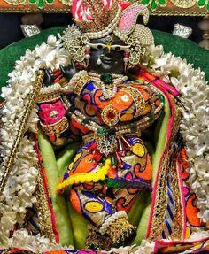 Jai Shree Krishna, Radhe Krishna, Good Morning Images, I Wallpaper, Hare, 4th Of July Wreath, Culture, Halloween, San Diego