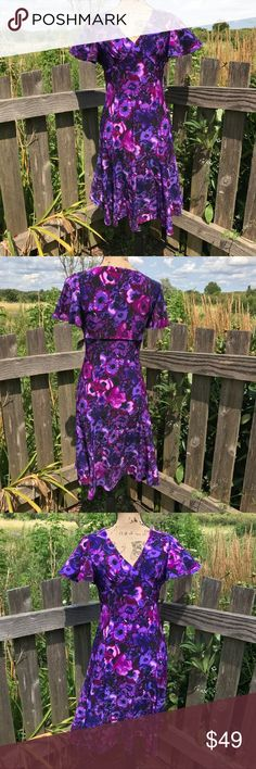 """Chaps Floral Flutter Sleeve Dress NWT. Look and feel great in this Chaps Floral dress. A flattering bodice and flutter sleeves give you a stylish silhouette. Perfect for that special occasion! Fits like a 2/4. All photos taken in natural light. 95% polyester 5% elastane. Machine wash cold and hang to dry. Armpit to armpit approximately 15"""" laying flat with stretch. Shoulder to hem approximately 39"""". 💰Reasonable offers welcome. Photos may not be used without permission. Bin 1 Chaps Dresses"""