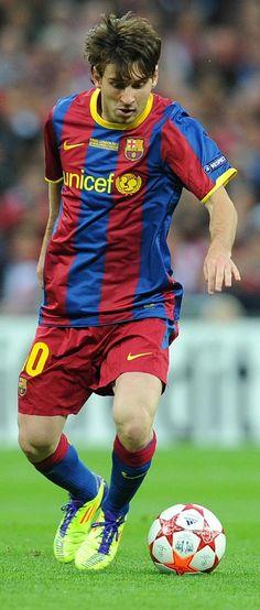 Lionel Messi na final da Liga dos campeões da Europa de 2011. Um dos momentos mais brilhantes do futebol deste novo século !