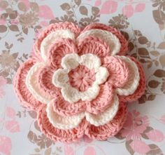 Pink and White Crochet Flower by Lixiancrochet