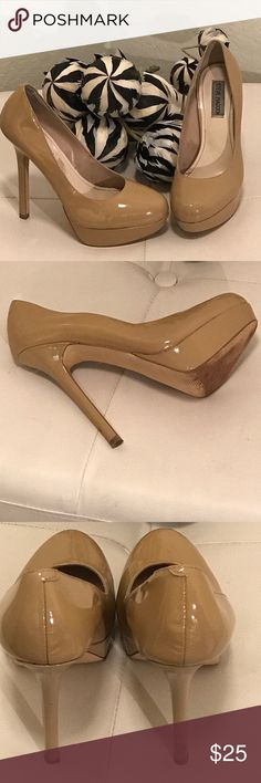 Steve Madden 8.5M Nude Pumps Heels 5'5 Gorgeous Platform Heels. They have small scuffs but in excellent condition. No box! Shoes Heels