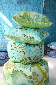 Amy Butler's Soul Blossom Fabrics with The Gumdrop Pillow (sewing pattern)