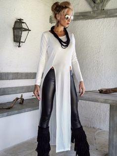Ivory Asymmetric Long Blouse / Ivory Blouse with Slits / Asymmetric Plus Size Blouse / Mode Outfits, Fashion Outfits, Womens Fashion, Fashion Tips, Fashionable Outfits, Fashion Hair, Fashion Trends, Modelos Fashion, Diy Vetement