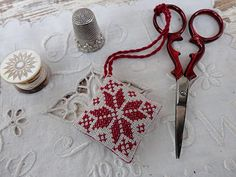 scissor fob filled with lavender with tutorial - freebie pattern.