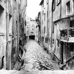 Little Venice in Bologna - Instagram by @runawayjane1