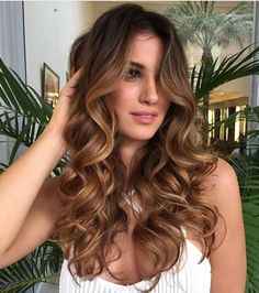 60 Chocolate Brown Hair Color Ideas for Brunettes Light Brown Balayage Curly Hair Light Chocolate Brown Hair, Chocolate Hair, Chocolate Color, Brown Balayage, Balayage Hair, Caramel Balayage, Copper Balayage, Ombre Hair, Brown Hair Looks
