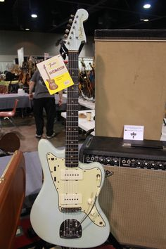 One of the rarest early 60´s vintage Fender Jazzmaster. We´ve only seen a couple of these over the years. This pic was shot on Arlington Guitar Show 2010. Was for sale through Rumble Seat Music...