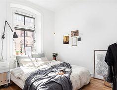 White Walls //  Linen Bedding // Home Decor