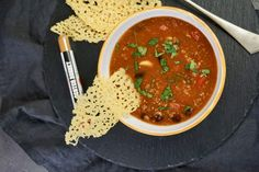Pikantní polévka na způsob chili con carne – Snědeno. Salsa, Mexican, Ethnic Recipes, Food, Chili Con Carne, Essen, Salsa Music, Meals, Yemek