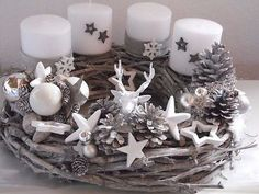 Adventkranz Weihnachten Shabby Advent Kugeln Unikat Lichterkette The Effective Pictures We Offer You About Wreath tattoo A quality picture can tell you many things. You can find the most beautiful pic Christmas Advent Wreath, Silver Christmas Decorations, Christmas Candles, Winter Christmas, Christmas Lights, Advent Wreaths, Diy And Crafts, Christmas Crafts, Deco Table Noel