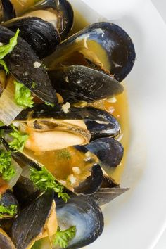 Steamed Mussels with Chorizo Sausage, Tomatoes & White Wine #Recipe