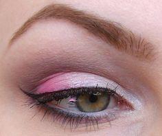 Neon Pink (dd85) - vnější koutek  Candy (dd58) - vnitřní koutek  Mushroom (dd51) - záhyb