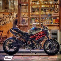 Ducati Monster 795 custom designed by G-FORCE รถคันนี้เป็นของคุณทอม ดีกรีบาร์เทนเดอร์อันดับ 3 ของโลก เจ้าของร้าน Neat ที่ตลาดรถไฟศรีนครินทร์ โกดัง 3 ไปยลโฉมและไปชิมเครื่องดื่มกันได้ รายละเอียดตาม link เลยครับ