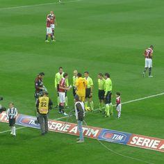 Milan - Juventus   Calcio d'inizio    https://www.facebook.com/photo.php?fbid=351453694952897=a.351453548286245.74663.104841186280817=3