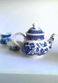 vintage Willow tea set