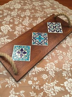 Tile Crafts, Crafts To Do, Wood Crafts, Arts And Crafts, Tile Art, Mosaic Art, Wood Projects, Craft Projects, Cool Coasters