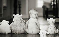 Martes, 25 de junio de 2013 - 'jenny lauren photography' | Fotos de bebés con peluches | Cuando los bebés empiezan a sentarse y sostenerse solos, podéis abusar de la cámara de fotos y hacer unas fotografías muy divertidas... Mirad las ideas de fotos con peluches, me encantan!