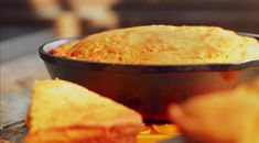 I think we'd all agree that few things pair better with a hot bowl of chili or stew than a. Cornbread Recipe Pioneer Woman, Southern Cornbread Recipe, Cornbread Recipes, Cast Iron Skillet Cornbread, Cast Iron Skillet Cooking, Southern At Heart Recipes, Star Food, Biscuit Recipe, Fabulous Foods