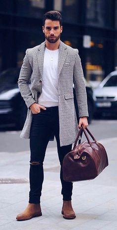 Mens Fashion Night Out Mode Masculine, Fashion Night, Winter Fashion, Disco Fashion, Brown Suede Chelsea Boots, Brown Leather, Stylish Men, Men Casual, Smart Casual