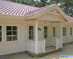 Eine typische schwedische Eingangsveranda aus Holz macht die Optik von einem original Schwedenhaus erst perfekt. Bei vielen Haustypen kann eine Holzveranda optional dazu geplant werden: