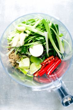 A 7-ingredient, easy green curry paste recipe for all Thai green curry recipes.
