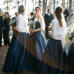 Navy blue bridesmaids dress with white pashmina/shawl - would look similar with peacock dresses Winter Wedding Bridesmaids, Navy Blue Bridesmaids, Bridesmaid Shawl, Navy Blue Bridesmaid Dresses, Wedding Navy, Bridesmaid Ideas, Navy Dress, Dress Black, Dream Wedding