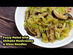 Asian Vegetables, Mung Bean, Asian Cooking, Chinese Food, Vegetable Recipes, Asian Recipes, Noodles, Cabbage, Food Ideas