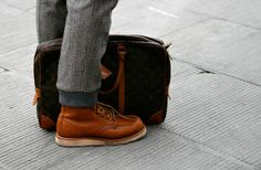 What would you wear underneath a suit? Yes, Red Wing Boots! Red Wing Boots, Botas Red Wing, Lace Up Boots, Hipster Boots, Hipster Outfits, Hipster Fashion, Mens Fashion, Indie Men, Lv Handbags