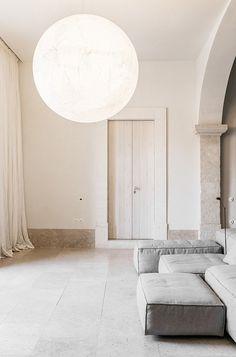 Avete in programma un viaggio a Lisbona? Venite a scoprire l'hotel Santa Clara 1728. Un edificio del XVIII secolo trasformato in un'oasi di puro relax.
