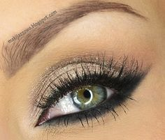 Simple cream elegance-Makeup for hazel green eyes.