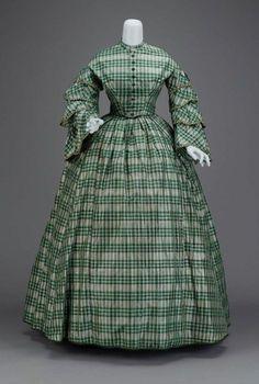 1850s dress via The Museum of Fine Arts, Boston