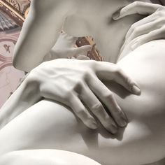 I can't resist to post this beautiful detail of Bernini's sculpture « ratto di prosperina Sculptures Céramiques, Classical Art, Persephone, Erotic Art, Art And Architecture, Hades, Art Inspo, Statues, Art History