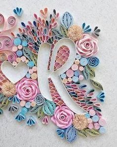Alphabet letter r quilling by Arte Quilling, Quilling Letters, Paper Quilling Patterns, Quilled Paper Art, Quilling Jewelry, Quilling Paper Craft, Craft Patterns, Quilling Ideas, Quiling Paper