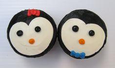 Penguin Cupcakes...use an open faced Oreo to make this penguin face.