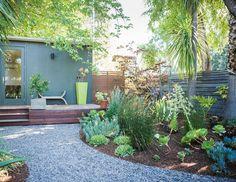 Creative Landscape Design for a Renovated Eichler in California - Photo 5 of 9 -