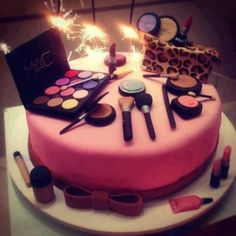 This cake would be so awesome when I grad cosmetology school!!!